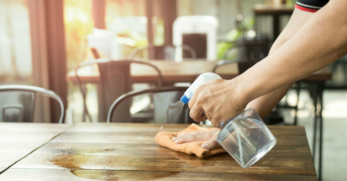 DIY Dusting Spray – Cook It