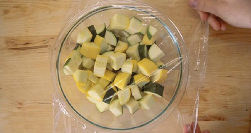 cook vegetables in the microwave